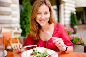 women-eating-mediterranean-diet-food